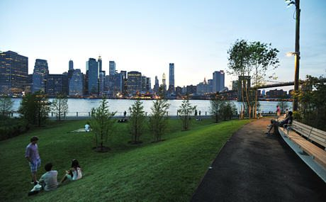 Lawns at Pier 1, Brooklyn Bridge Park. Credit: nycgo.com Photo by Julienne Schaer
