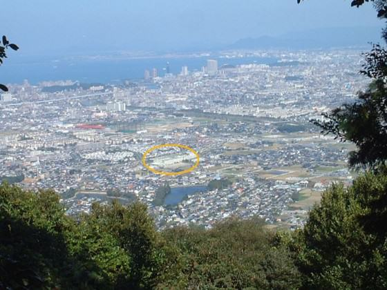 The picture of the city around the planning site, May 2003. Photo: K.Ito
