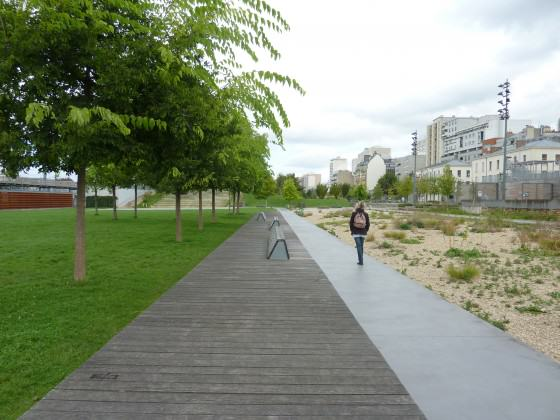 """Jardin d´Éole"" New park in the Northern side of the city: sandy ecosystem in the right side with a small built wetlands in the extreme right. Photo: Cecilia Herzog"