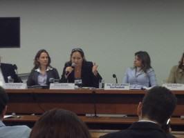 Eliana Azevedo (ANP –Vice-President, center), Isis Gurken (landscape designer, left) and Flavia Morais (Congress Representative, right). Photo: João Jadão