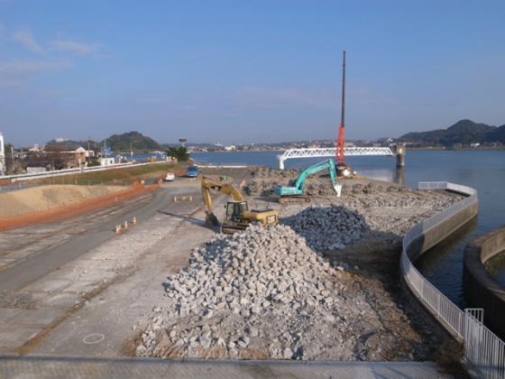 Getting rid of concrete structure, 2010. Photo: Keitaro ITO