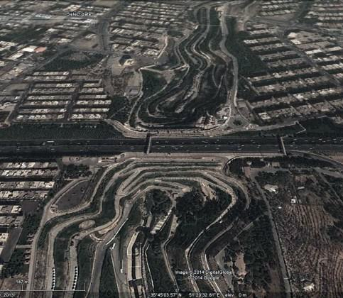 Existing bridges of east- west highways which usually cut the river valleys corridors and decline the ecological function. Source: Google Earth.