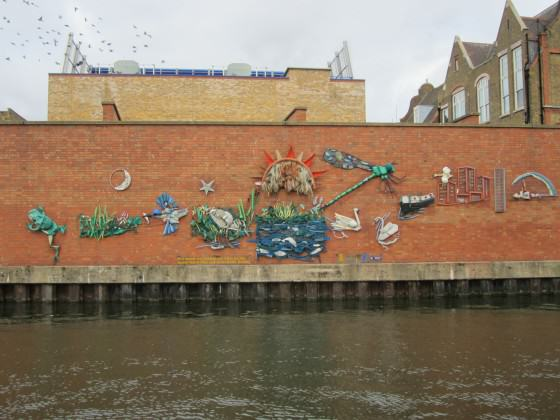 Regent's Canal mural. Photo: Janice Astbury