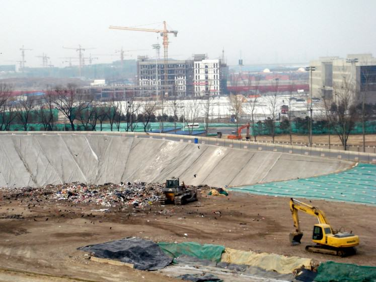 Landfill in the outskirts of Beijing. Photo: Liwen Chen
