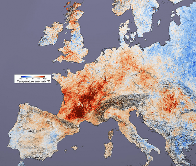 Difference in average temperature (2000, 2001, 2002 and 2004) from 2003, covering the date range of 20 July – 20 August. Image credit: NASA