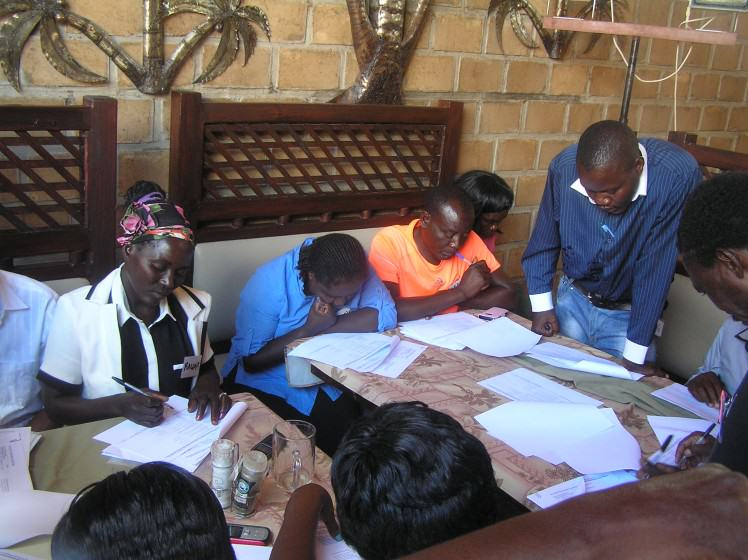 Community members scoring the Indicators of Resilience at a workshop in Ondangwa, Namibia: Photo: William Dunbar