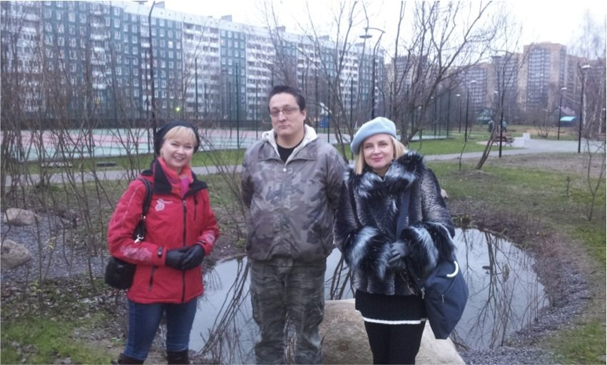 Team work of young administrator Olga (on the left), landscape architect (Andrei) and the researcher (Maria). November 2013.