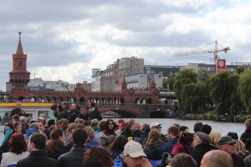 Langer Tag der Stadtnatur - Boat at Oberbaumbrücke
