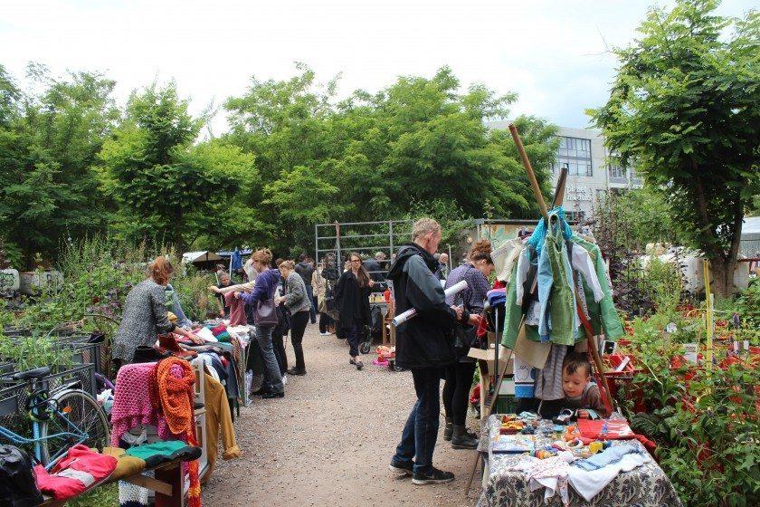 Langer Tag der Stadtnatur - Prinzessinnen garten flohmarkt-min