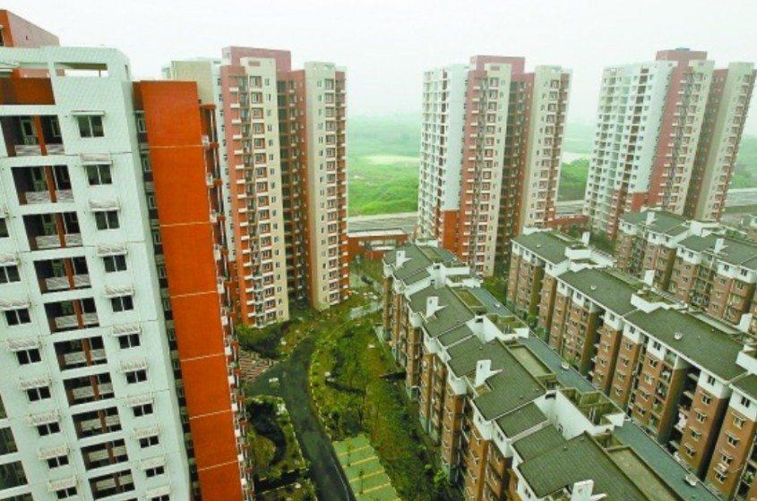 Hua Fu Jia Yuan-Chongqing's largest low-rent housing projects. Source: http://www.xinhuanet.com/chinanews/2010-07/14/content_20328916.htm