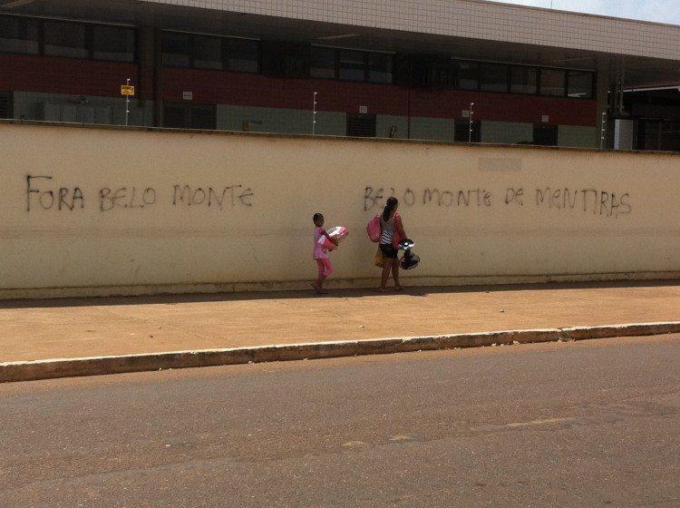 Belo Monte de Mentiras—Belo Monte Lies. Protests against a dam project in Altamira, Brazil. Photo: David Maddox