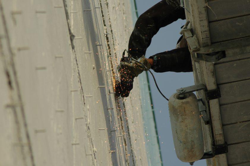 Image 10 Grinding Rebar, Photo Mike Houck