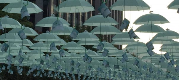 An art installation on the Cheonggyecheon. Photo: David Maddox