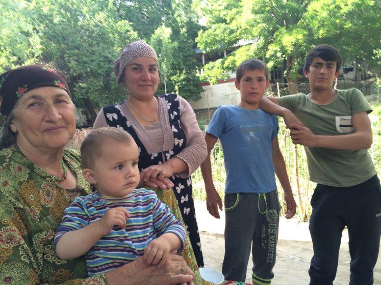 tajik-family3