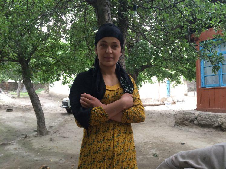 Young Tajik woman. Photo: Bangkok Barcelona On Foot