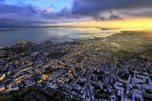 Brest sous le soleil couchant. Photo: Frédérick Le Mouillour