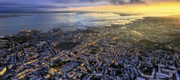 Brest sous le soleil couchant