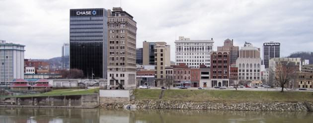 The Central Business District of Charleston, West Virginia, 4 km downstream from the chemical spill. Photo: Tim Kiser