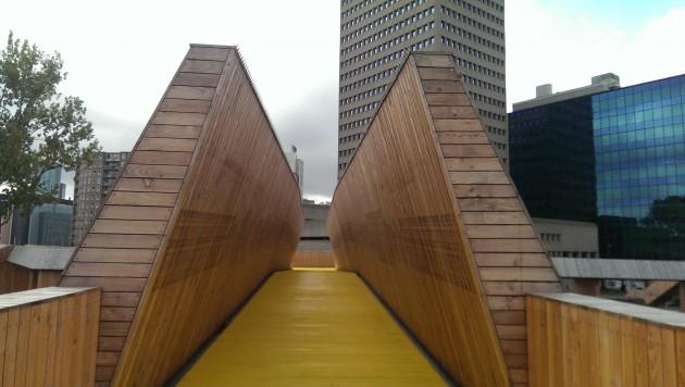 Elevated walkway Rotterdam. Photo: Mary Rowe